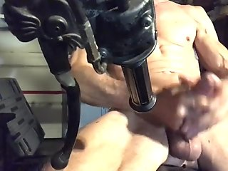 TheCumminator wants your warm mouth to RIDE his Vick,cock, DEEP...!!!