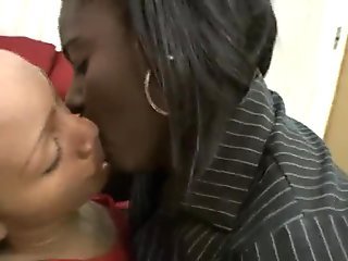 Deep Kissing Ebonies